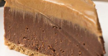 עוגת גבינה שוקולד וחמאת בוטנים ללא אפייה