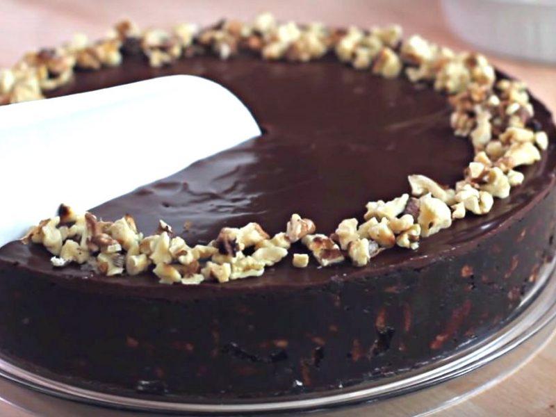 עוגת ביסקוויטים שוקולד קלה ללא אפיה