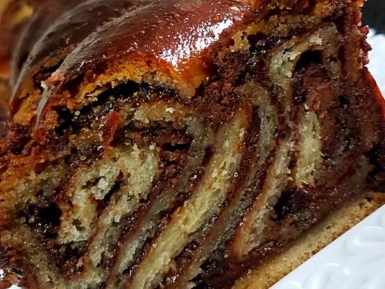 מתכון-רולדת-שמרים-שוקולד-נוטלה-ופירורי-לוטוס