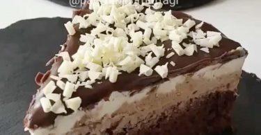 מתכון עוגת מוס שוקולד בשלושה צבעים