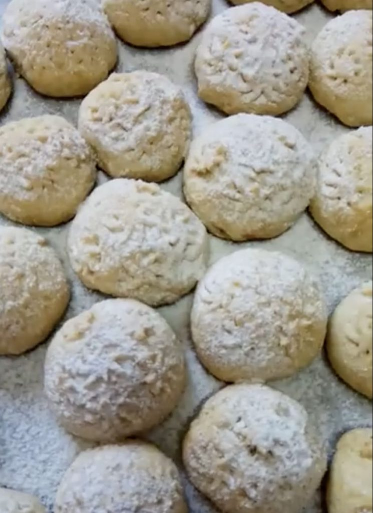 עוגיות תמרים ואגוזים קלות להכנה