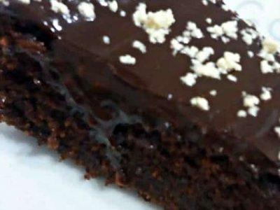 עוגה מפוצצת שוקולד ללא קקאו