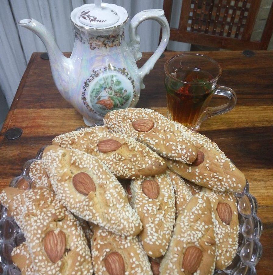 עוגיות בולו טוניסאות עם שקדים וצימוקים