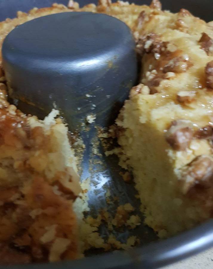עוגת מייפל אגוזים בחושה