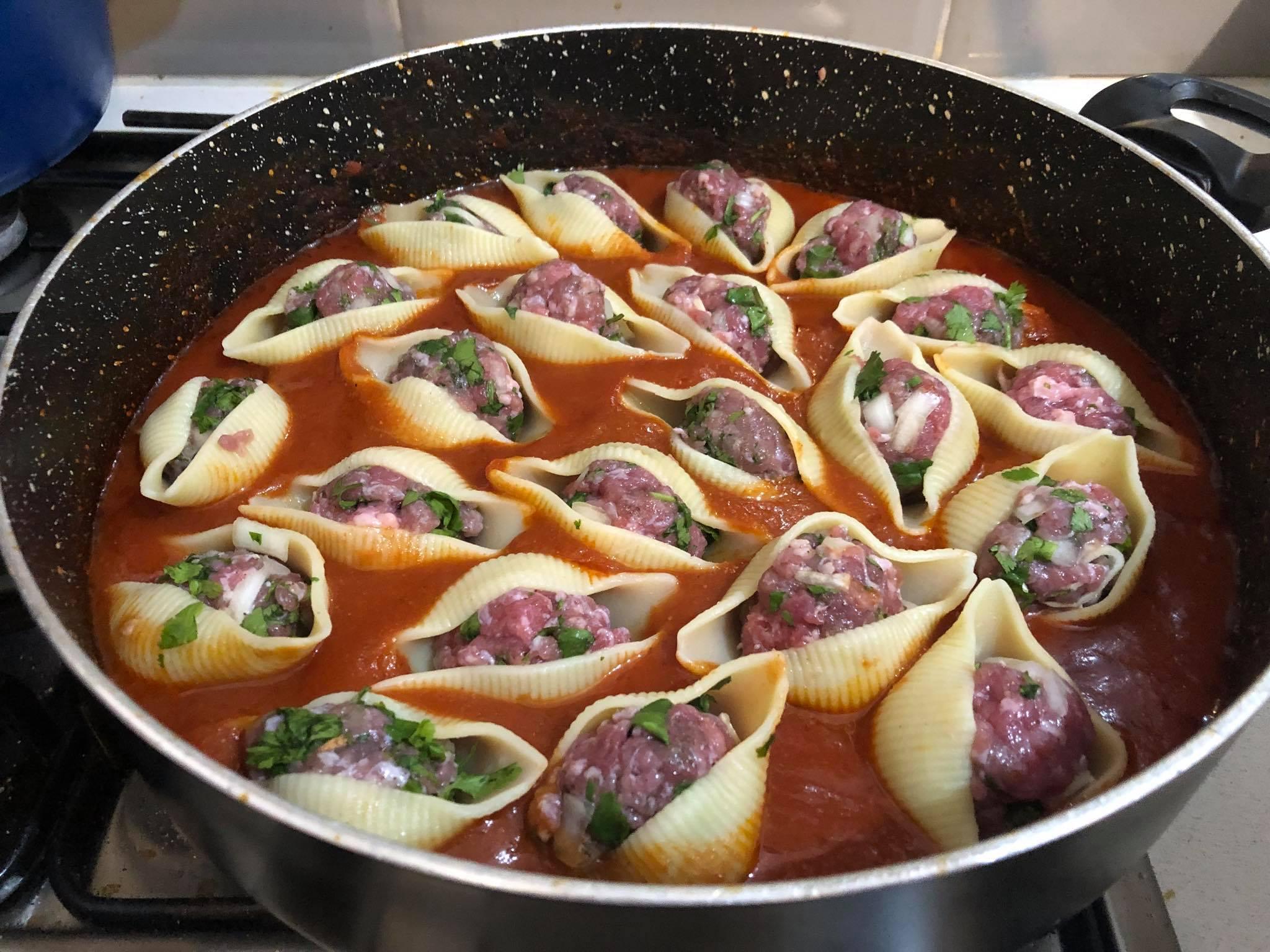 קונכיות פסטה ממולאות בבשר