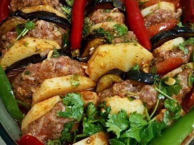 קציצות בשר עם ירקות