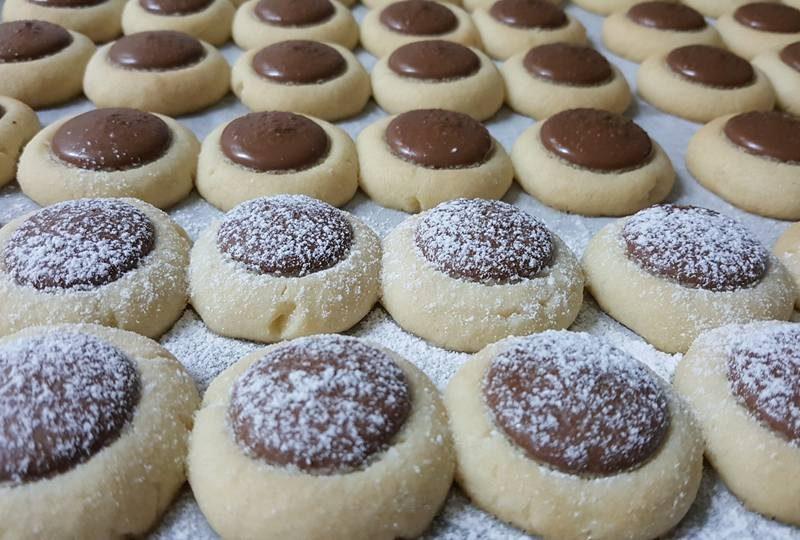 עוגיות וניל עם שוקולד חלב