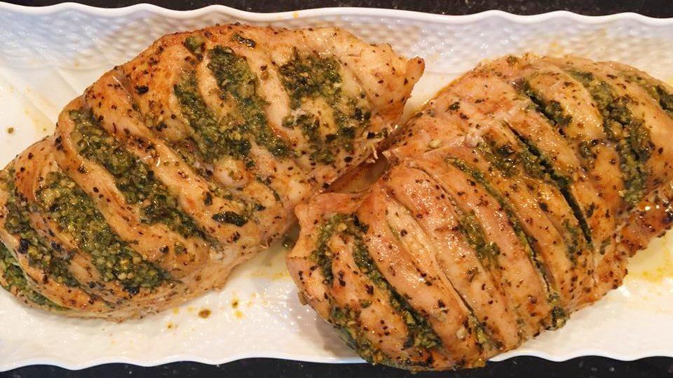 חזה עוף ממולא בפסטו בתנור