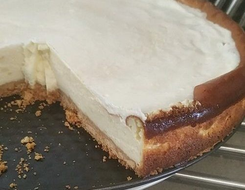 עוגת גבינה בחושה לימונית
