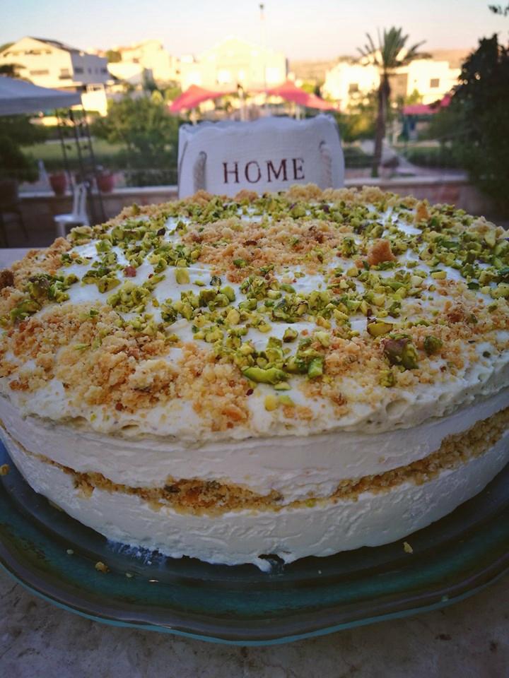 עוגת גבינה פירורים עם פיסטוק