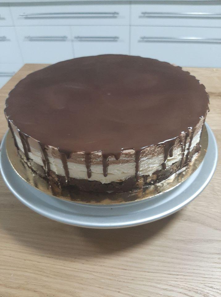 עוגת כדורי שוקולד ללא אפייה