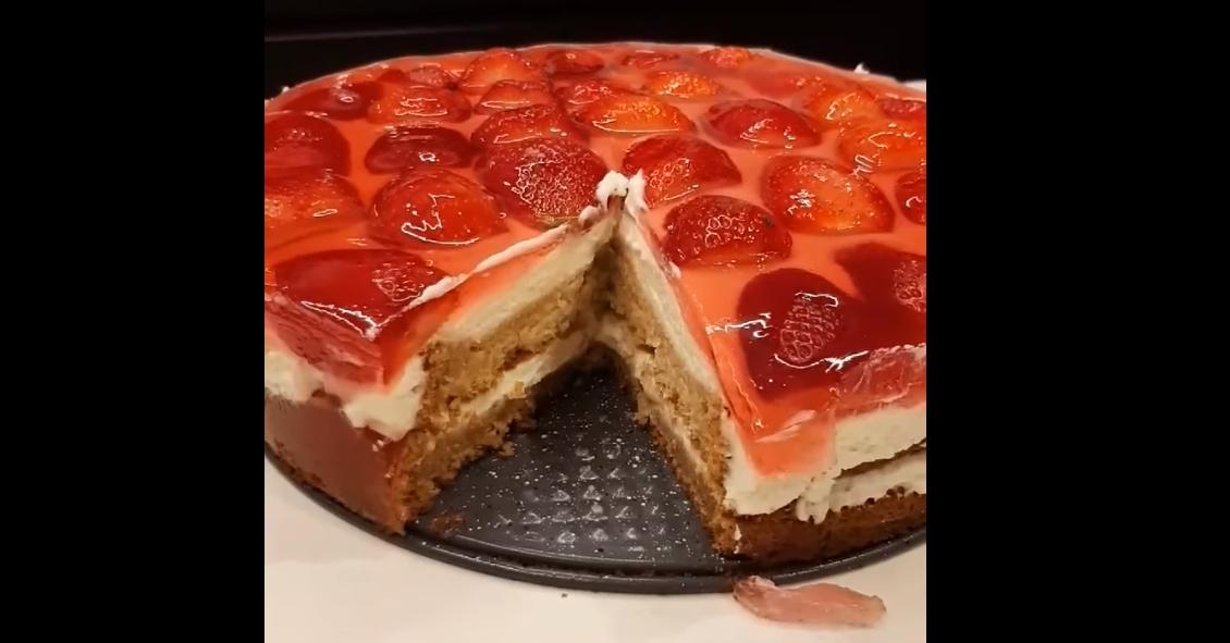 עוגת ג'לי ותותים