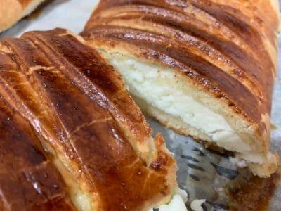 עוגת שמרים פרג וגבינה פרסבורגר