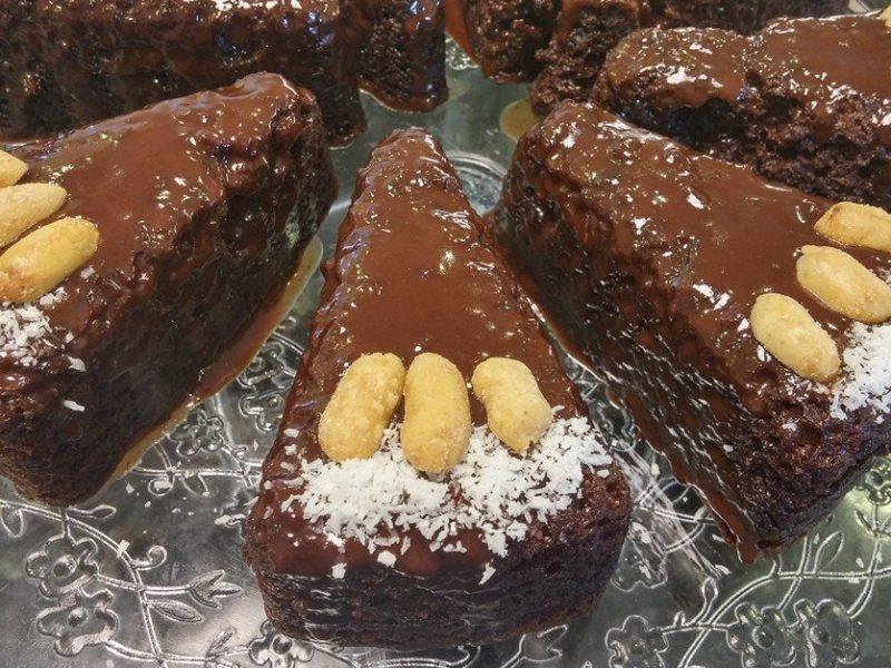 עוגת שוקולד פרווה קלה ב 10 דקות!