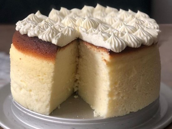 עוגת גבינה אפויה גבוהה ונדירה