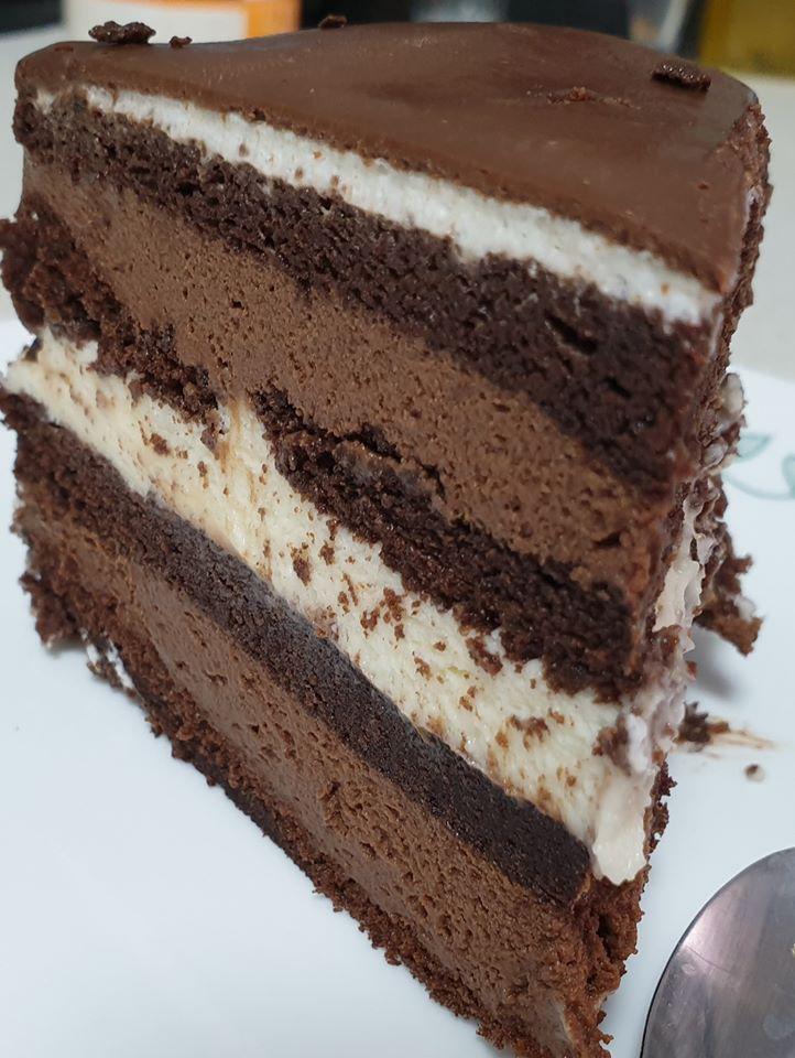 עוגת שוקולד שכבות עשירה ששווה כל ביס