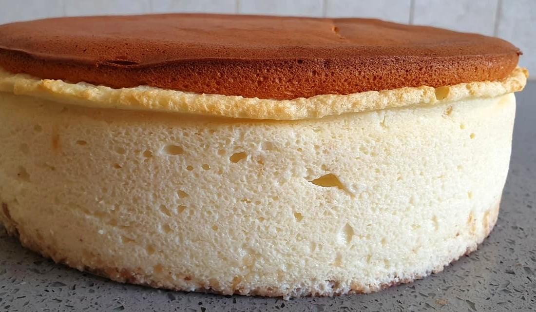 עוגת גבינה אפויה גבוהה ואוורירית