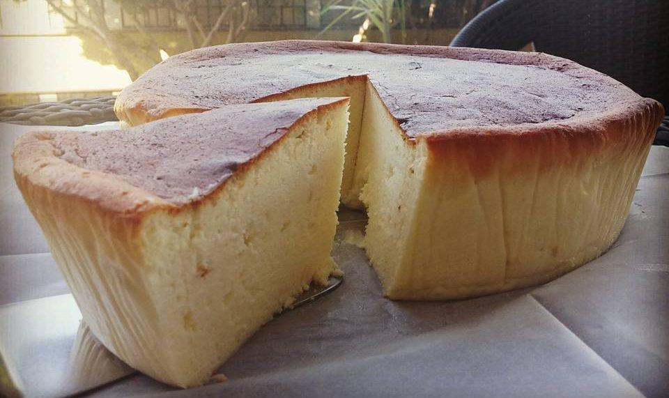 עוגת גבינה אפויה נקייה וגבוהה ללא תחתית