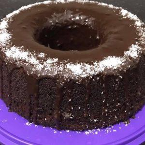 עוגת שוקולד גבוהה ורכה