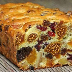 עוגת פירות יבשים ופיצוחים