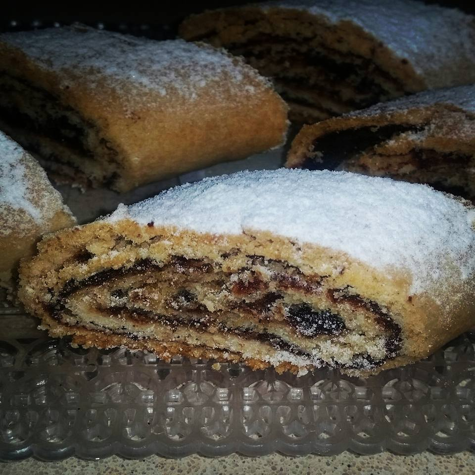 עוגיות תמרים לירז שרה כהן
