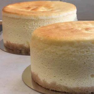 עוגת גבינה קלאסית גבוהה