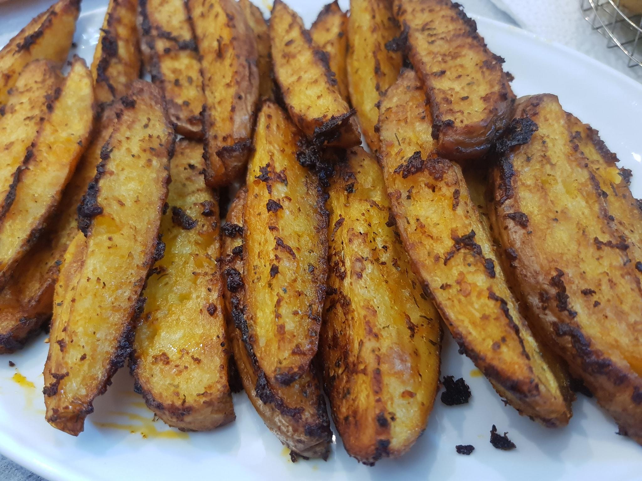 פלחי תפוחי אדמה בתנור