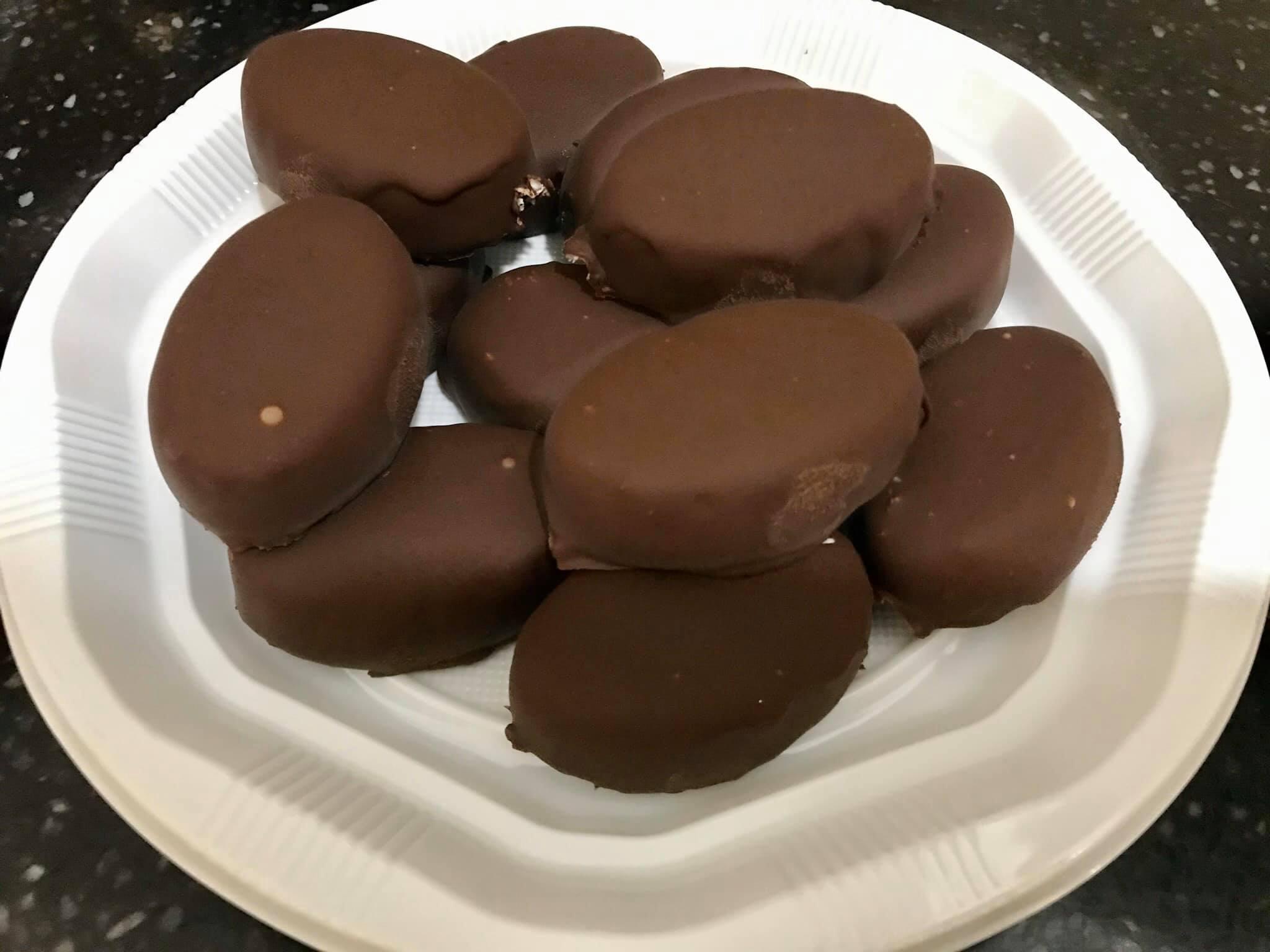 ממתקי קוקוס שוקולד