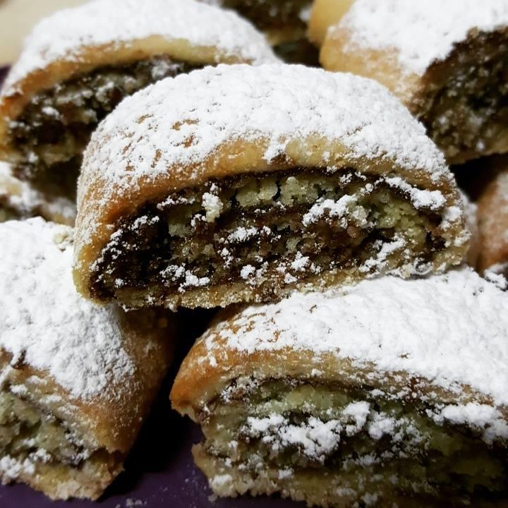 עוגיות בצק פריך עם שוקולד