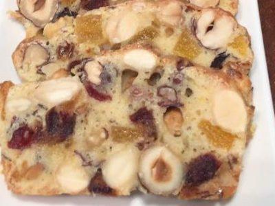 עוגת פירות יבשים ואגוזים