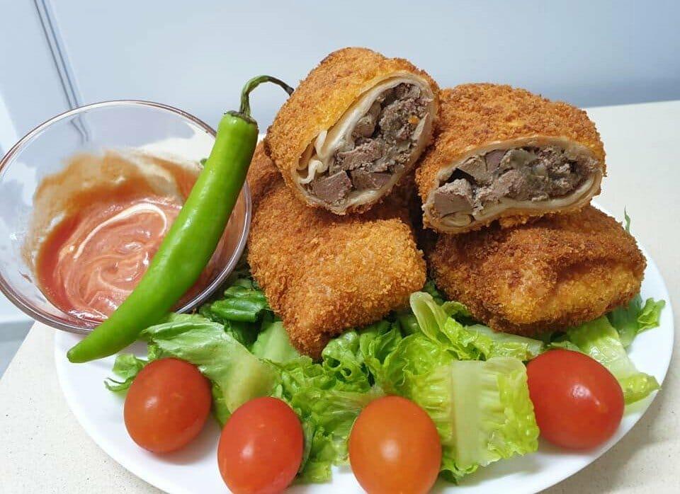 טורטיות ממולאות כבד ובצל עם ספגטי