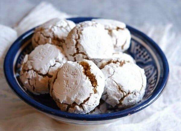 עוגיות שקדים סדוקות