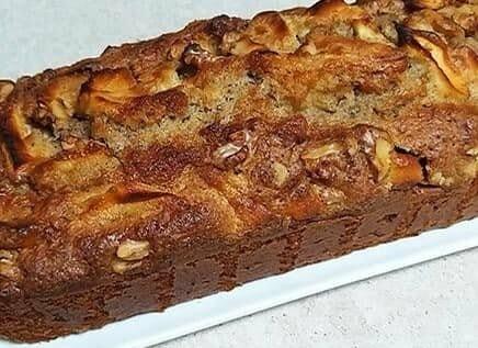 עוגת תפוחים ואגוזים קלה